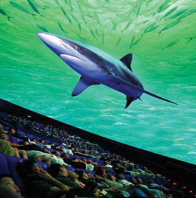 2014国际趲e:a�y�ZY`_动感球幕电影厅采用70毫米放映设备,半球形银幕趱直径达18米,观众观看